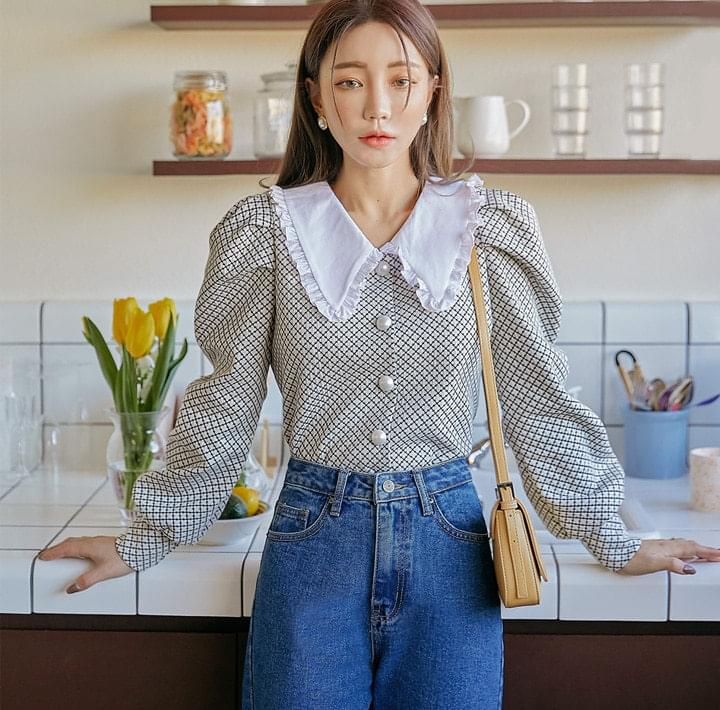 Frilled Collar Check Blouse