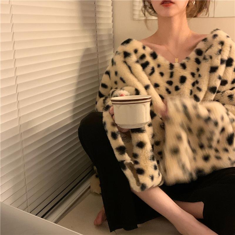 kn3522 leopard v-neck fur knit
