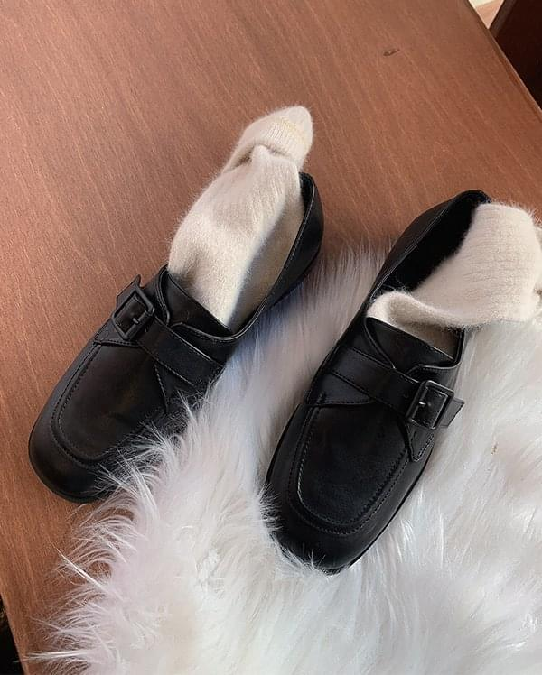 If velcro loafers 樂福鞋
