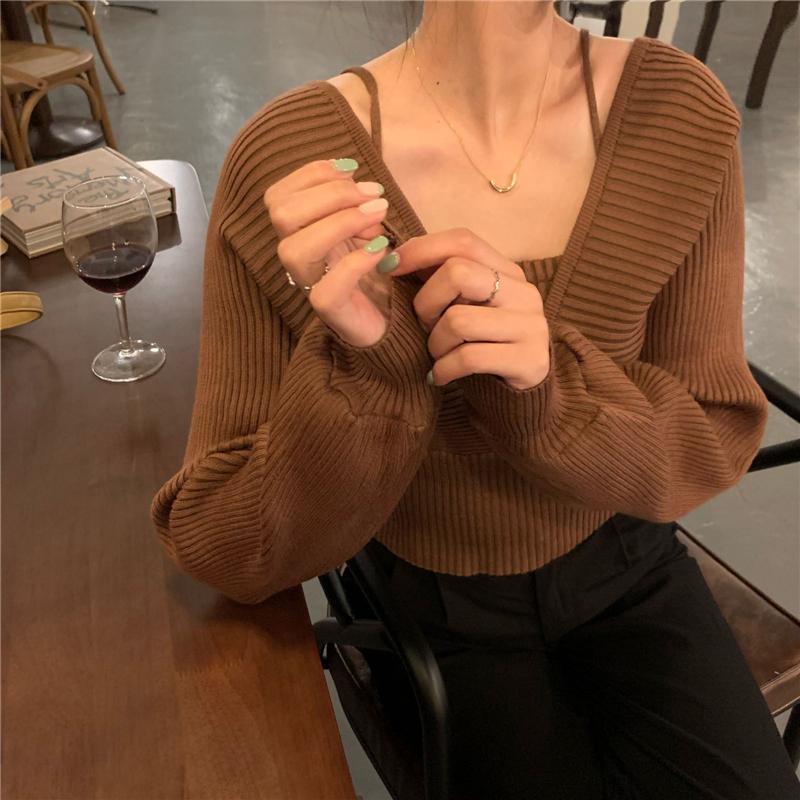 V領針織衫細肩帶假兩件上衣