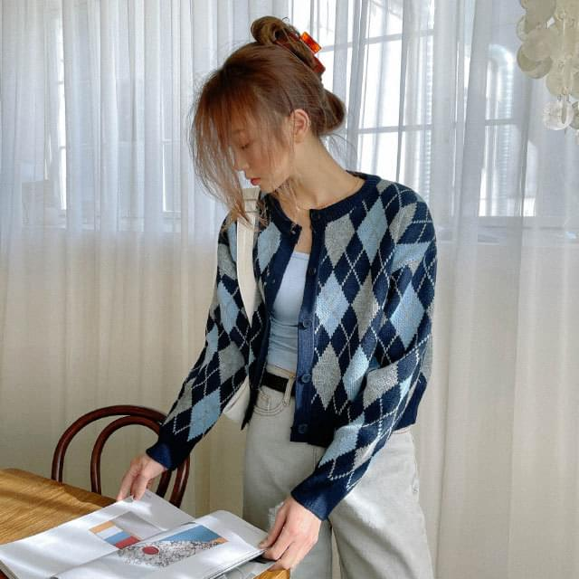 Coil Argyle Pattern Crop Cardigan (Delayed delivery)