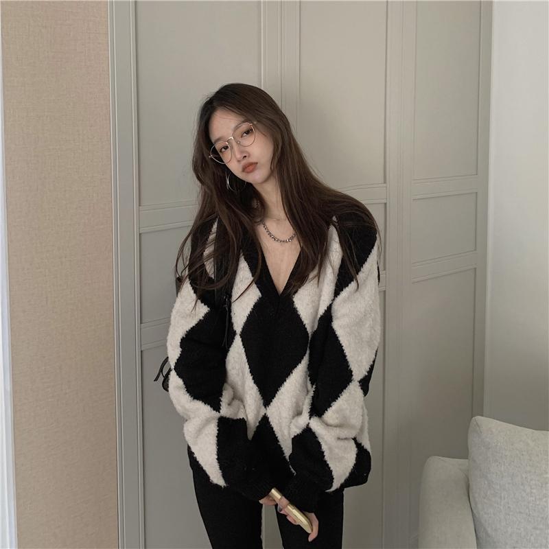 kn3503 diamond v-neck sweater