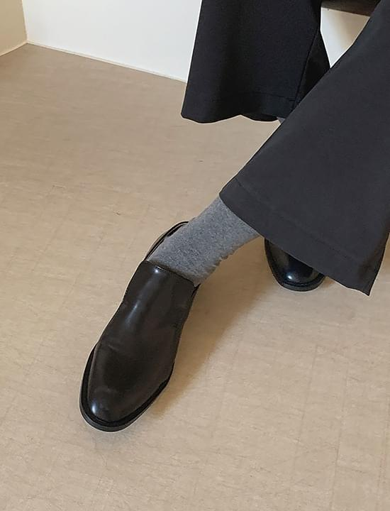 Shape slim loafers