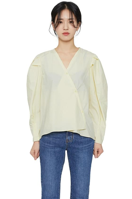 Silhouette volume blouse