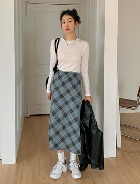 Plaid Slim Flare Long Skirt 裙子