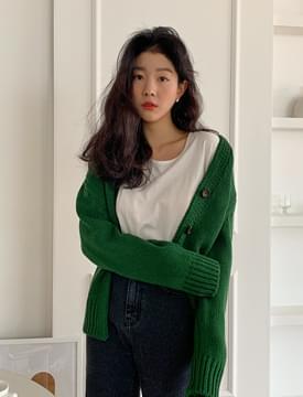 Peeling Line Knitwear Cardigan 開襟衫