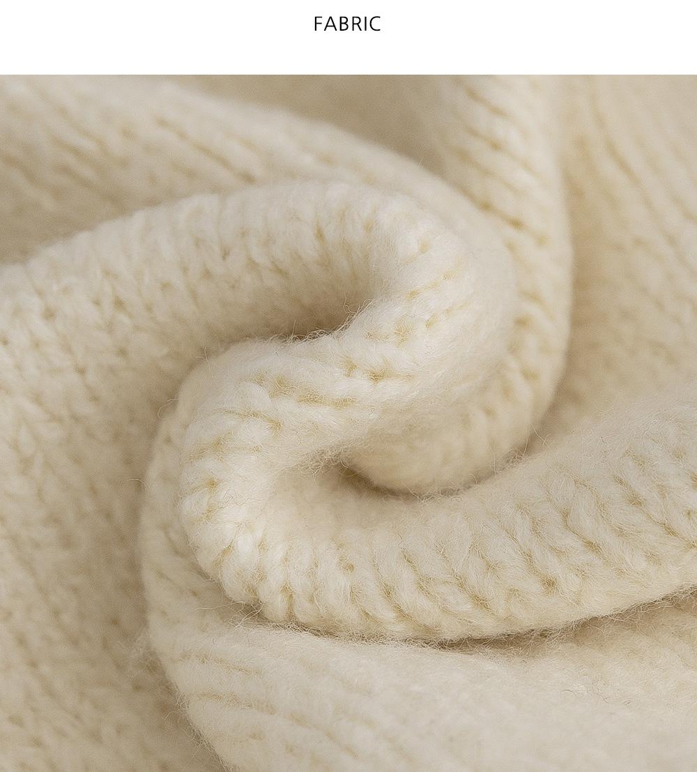 Levit Round Neck Semi Crop Knit