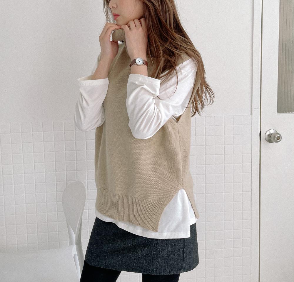 Blending Wool Knit Turtleneck Vest