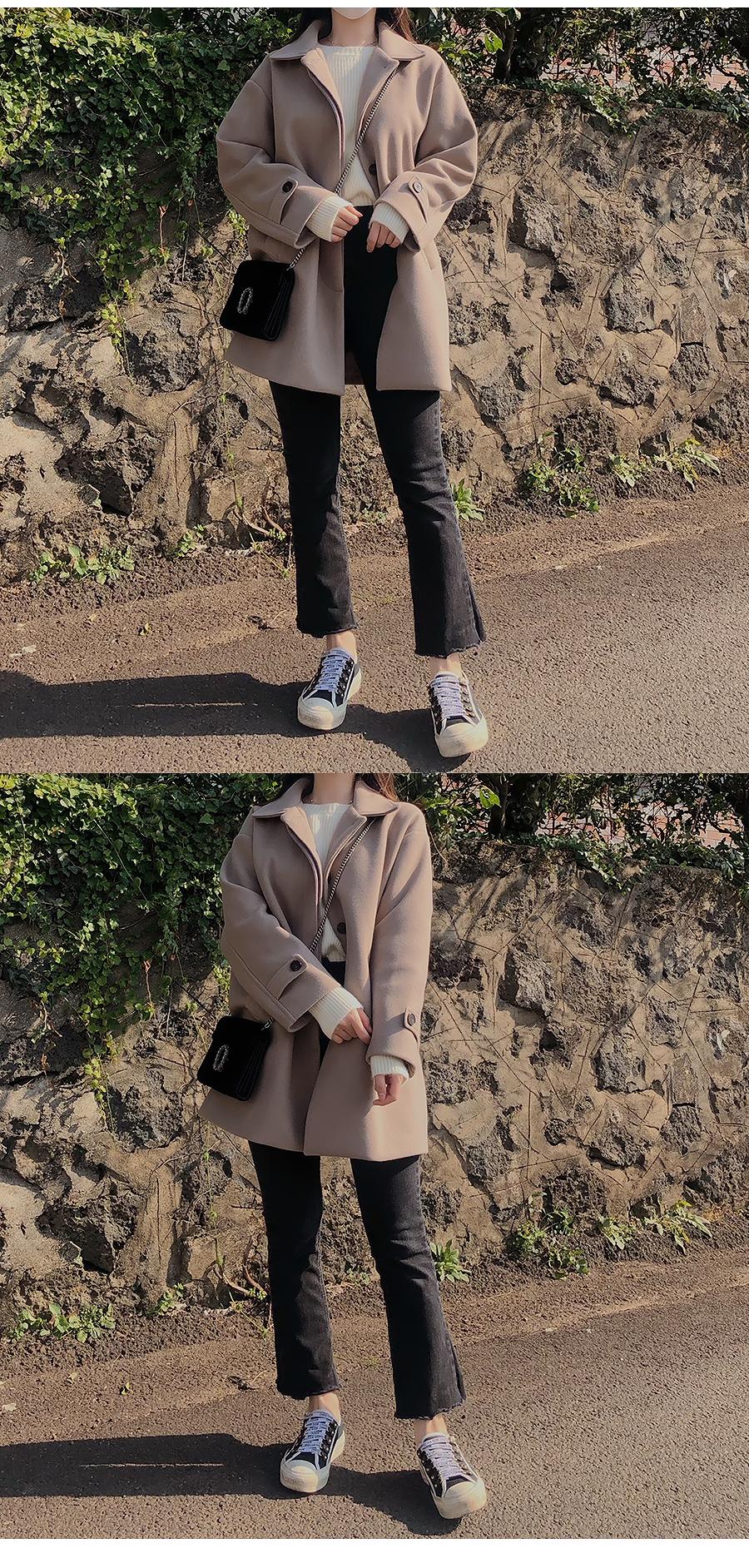 Mellow collar snap coat