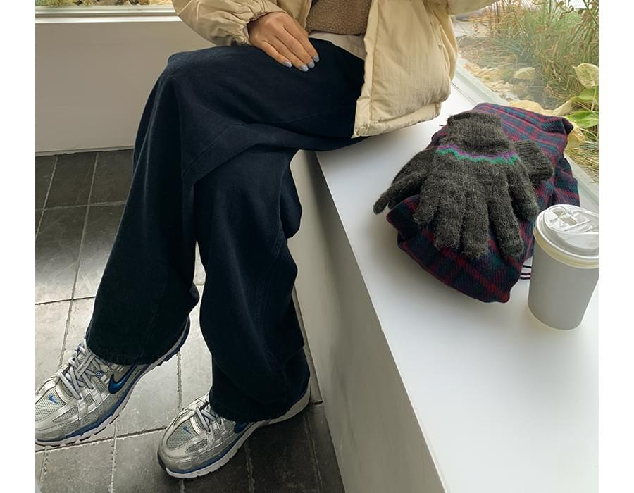 Day pintuck Fleece-lined wide pants