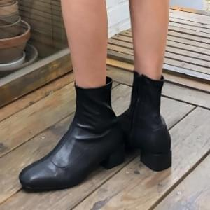 Chic Mood Ankle Boots