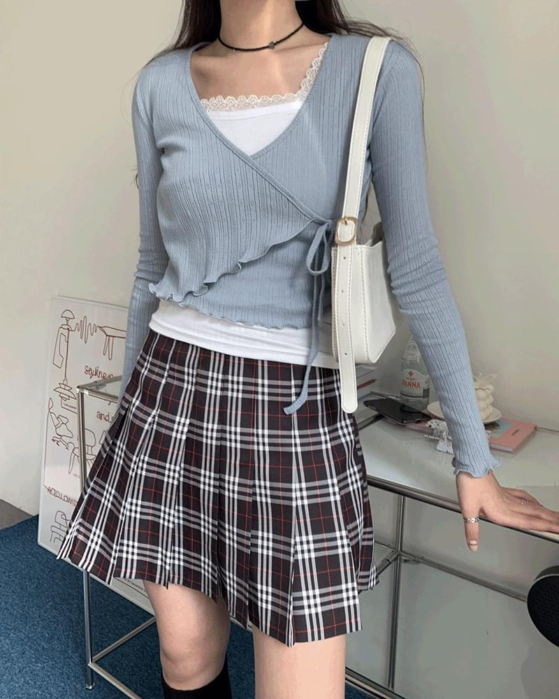 Sherlock Burberry check pleated mini skirt