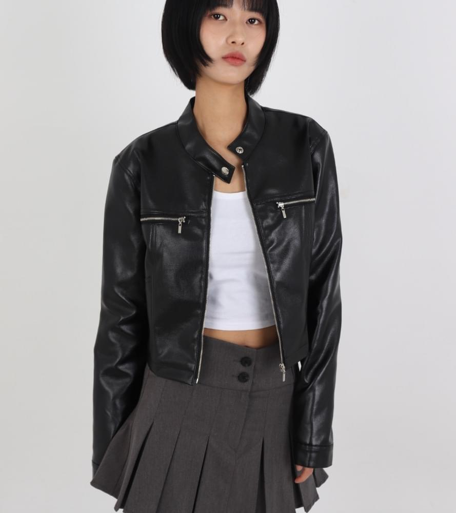 No-collar button leather rider jacket