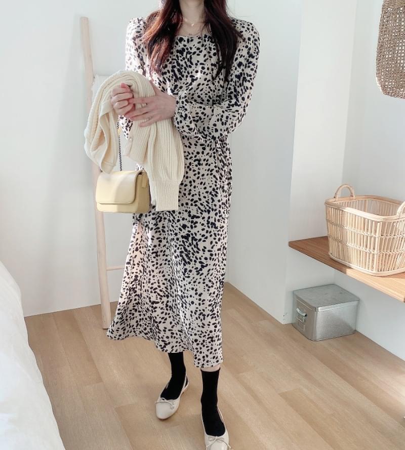 Mary Yudot Dress