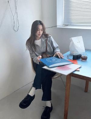韓國空運 - Tellmy Caraneck Crop Knitwear 針織衫