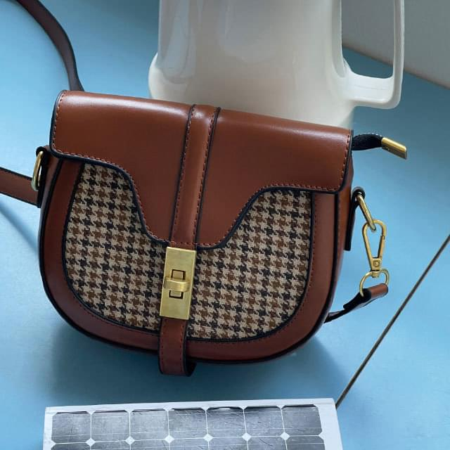Maden check pattern cross bag