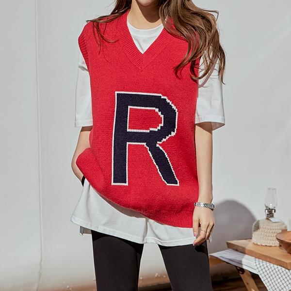Lettering Boxy Knitwear Vest # 108853