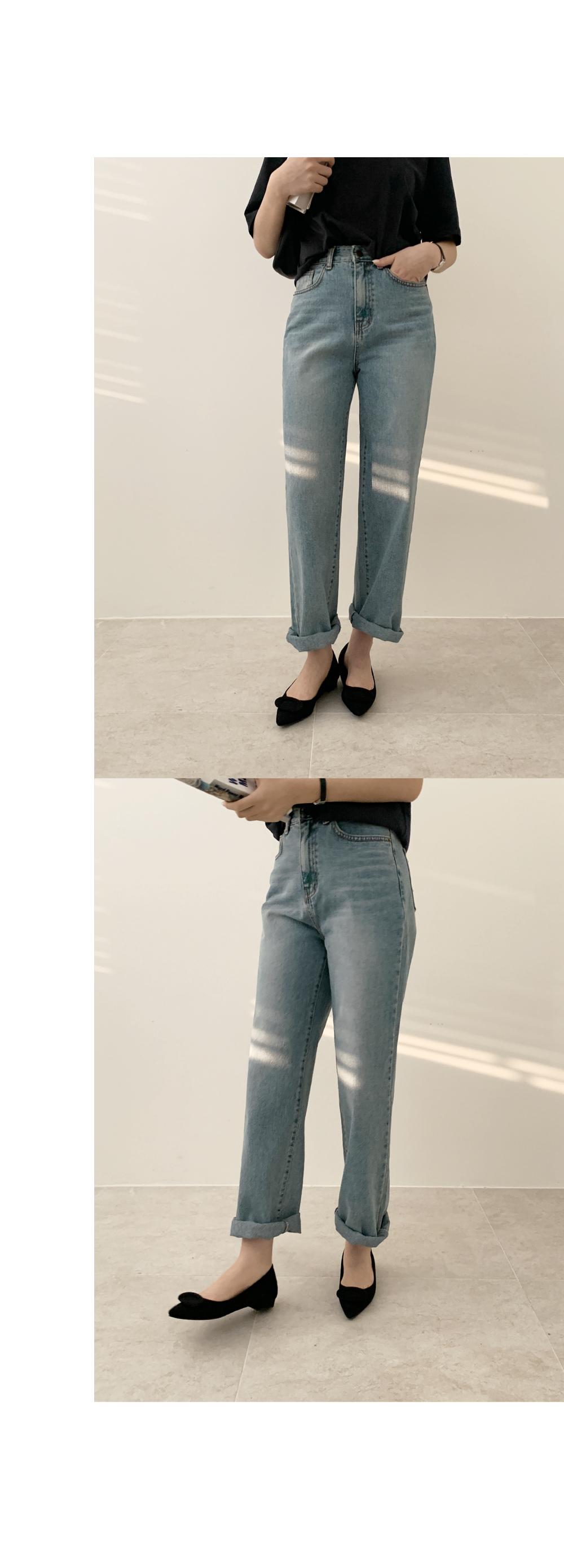 Maro flat shoes