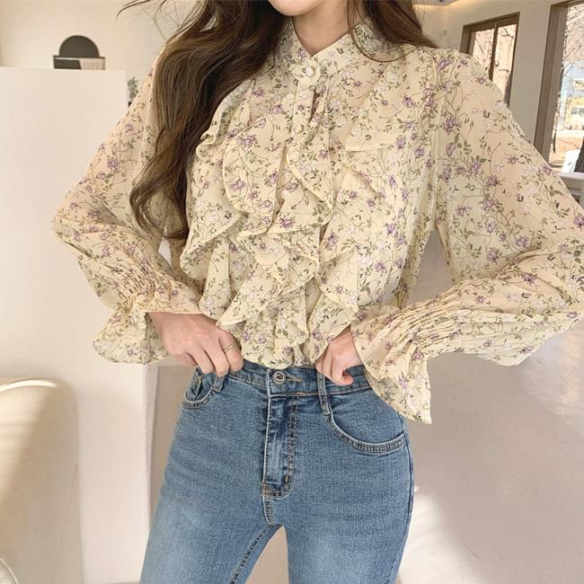 Flower frill wide blouse