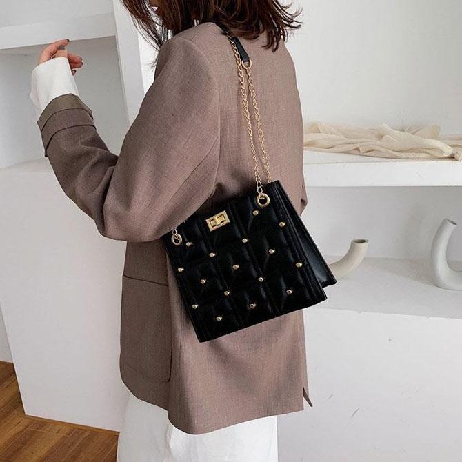 Miel Rotating Lock Chain Cross Shoulder Bag