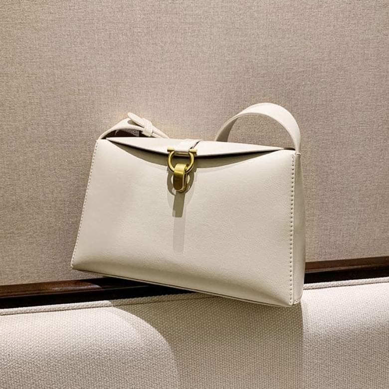 Anne Plain Simple Square Leather Shoulder Bag