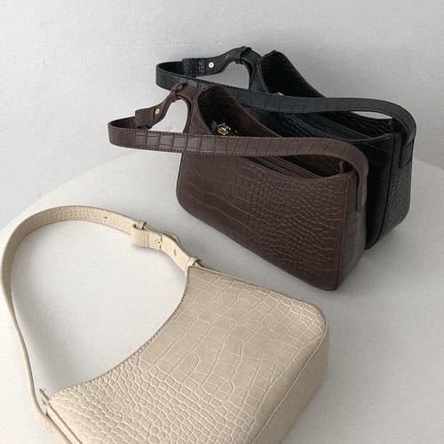 Varnish Square Middle Bag