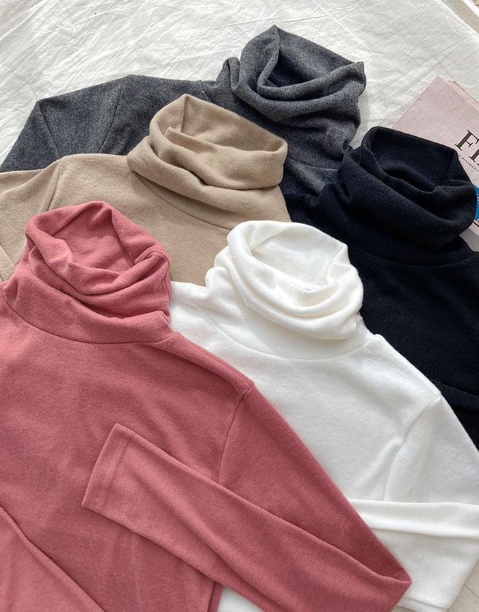 Warm Turtleneck T-shirt