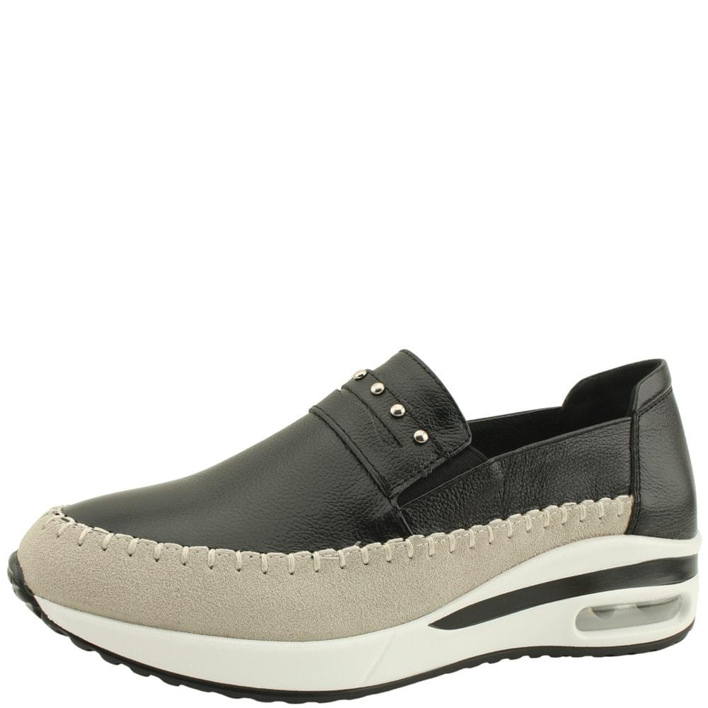 Cowhide Studded Loafers Sneakers Black