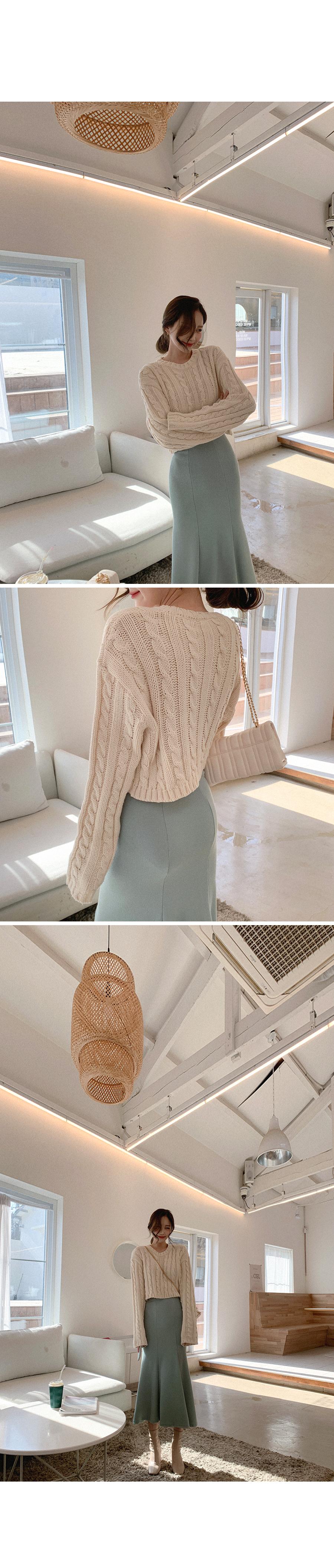 Soft Cropped Knitwear