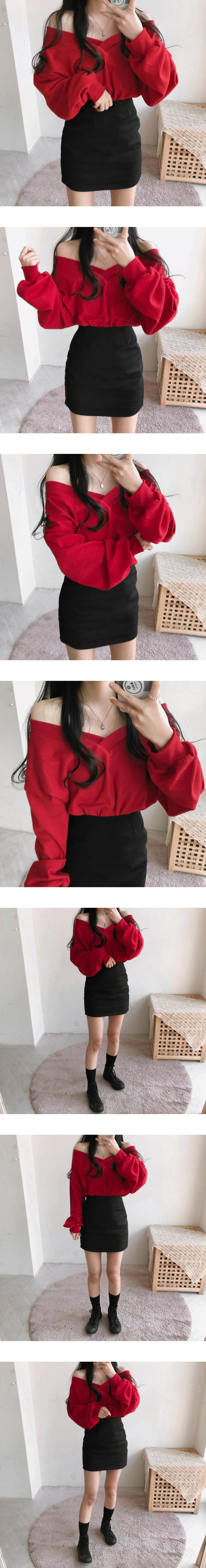 V-Neck off-shoulder Sweatshirt