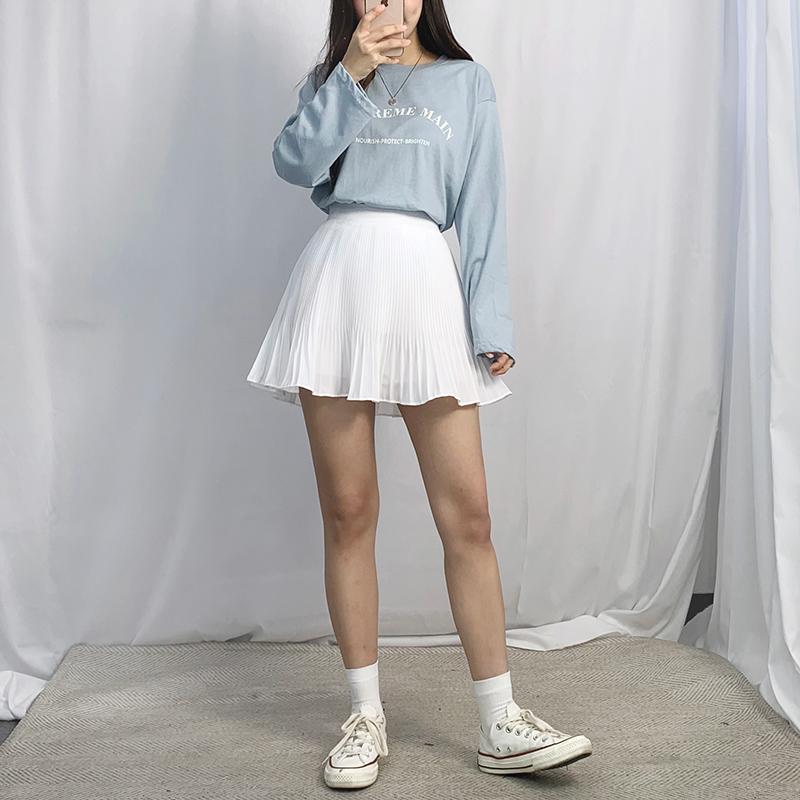 Short pleated lovely skirt