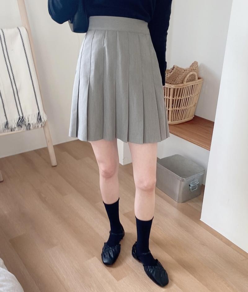 Lesmedium pleated skirt