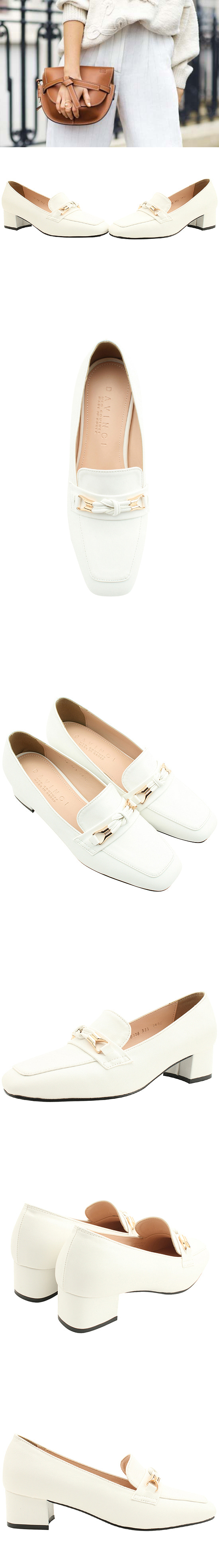 Knotted strap loafers middle heel pumps white