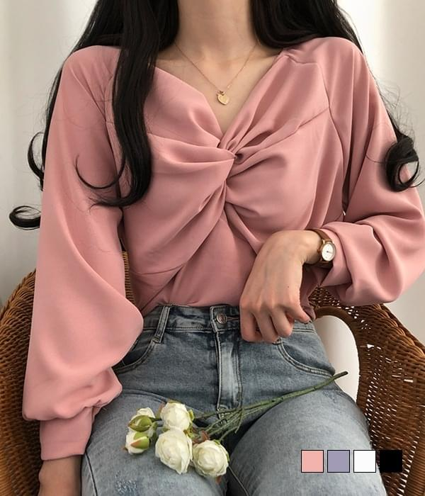 Sweet off twisted blouse (Delayed delivery)