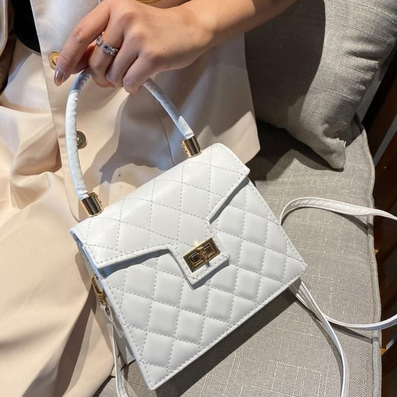 Quilted soft square pattern crossbody bag