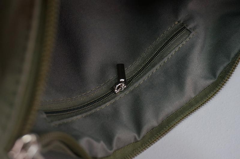 Vandal sporty mini crossbody bag