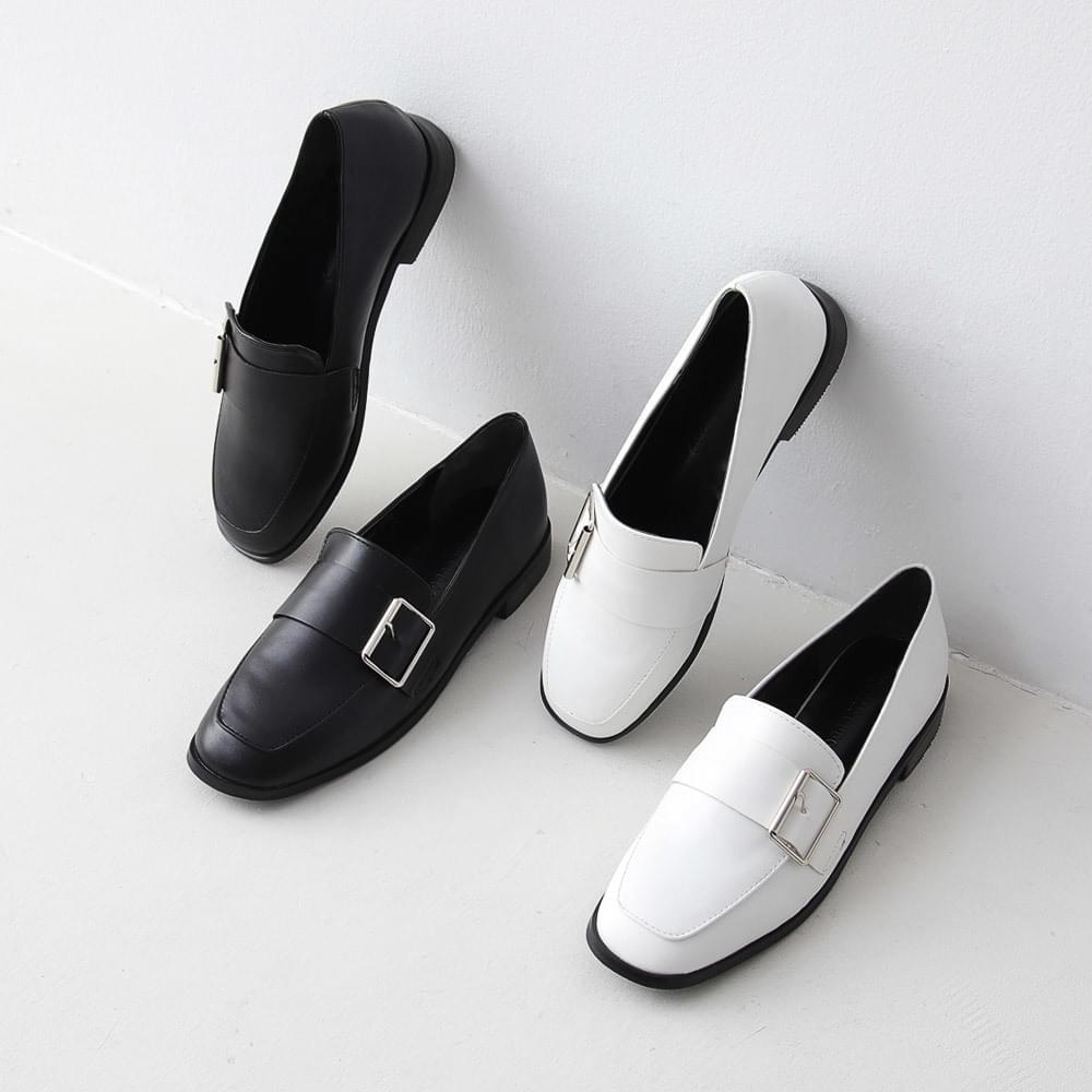 Issu Real Wood Heel Big Buckle Loafers 5160