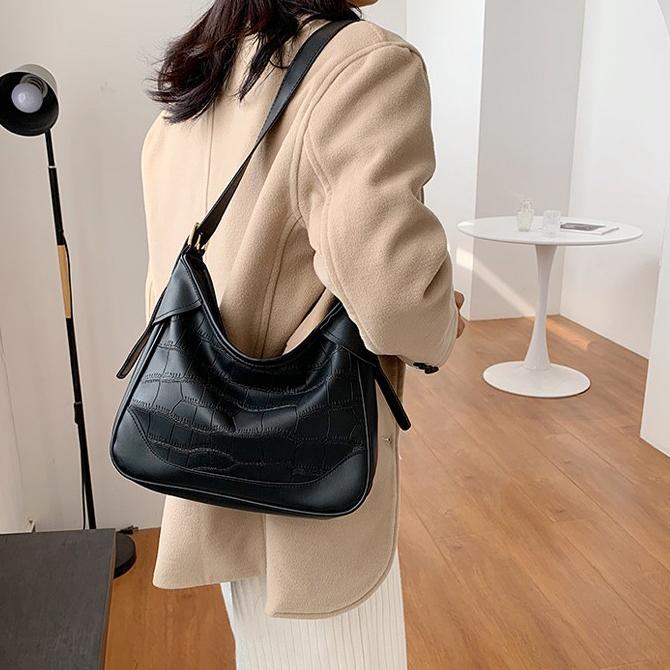 Vintage stone pattern plain shoulder bag