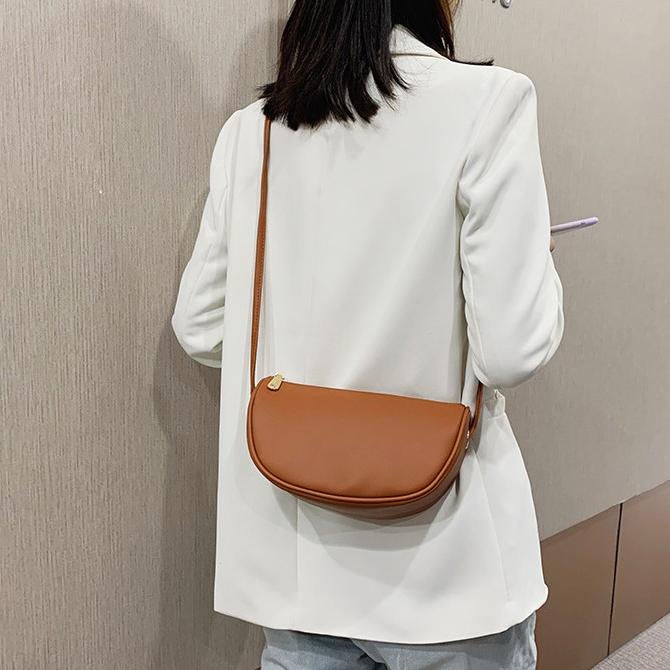 May Soft Daily Vandal Shoulder Bag