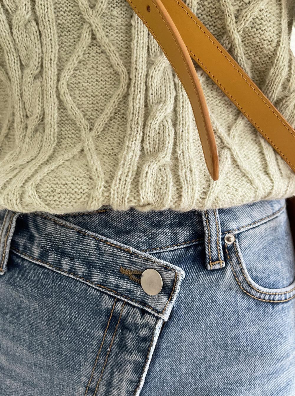 Bloom Twisted Short Sleeve Knitwear