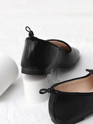 Issu Heel Cap Knot Point Flat Shoes 9091