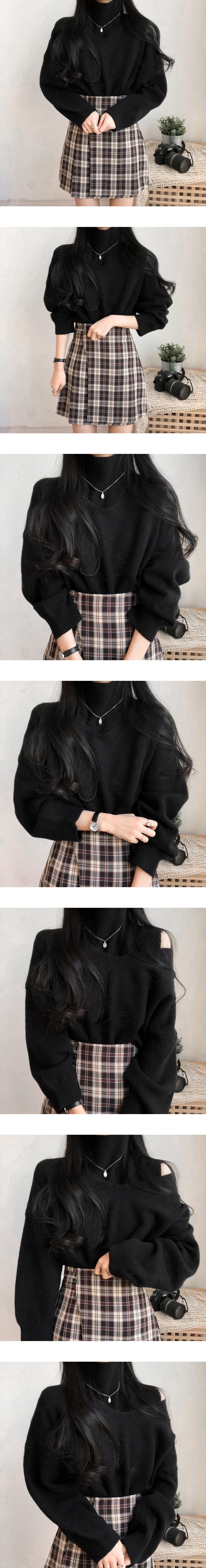 2-way detachable polar V-neck knit