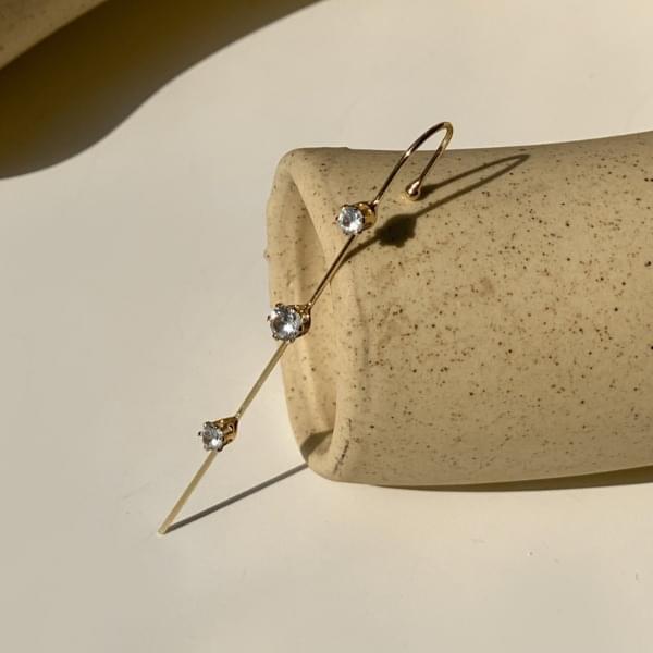 韓國空運 - Triple cubic crawler hook earrings 耳環