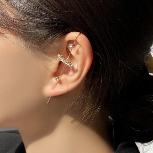 Horizontal cubic crawler hook earrings 耳環