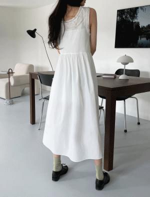 Lace line sleeveless Dress 及膝洋裝
