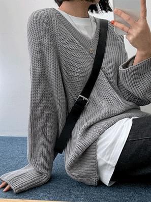 Bonihachi V-Neck Knitwear