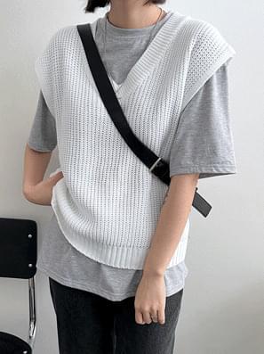 Macaron Hatchi V-Neck Crop Vest 開襟衫