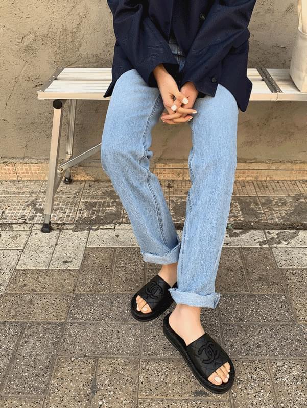 Cutting Straight Denim 牛仔褲