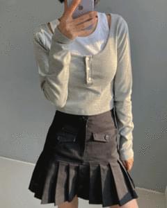 Pocket half pleated mini skirt