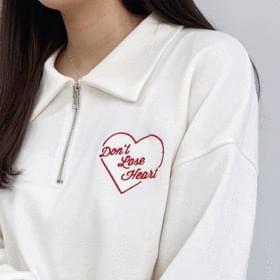 Heart Collar Half Sweatshirt